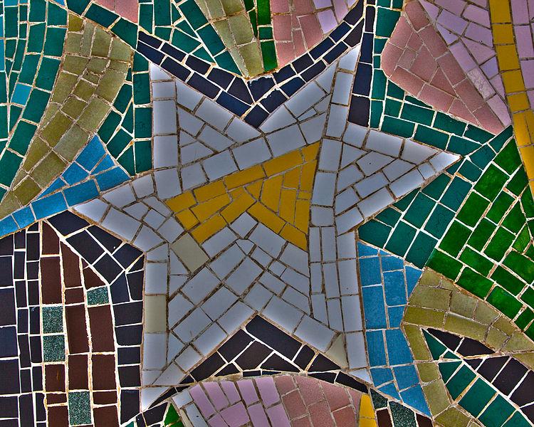 Star_of_David_Mosaic_Art_(9929543666).jpg