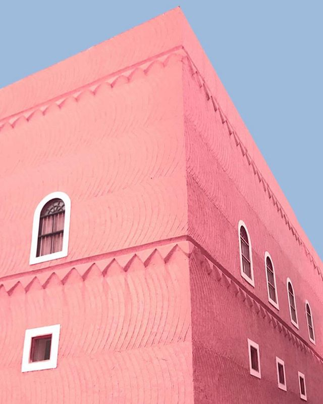 Huda Ali (@hudadesu ) Riyadh; Saturated series is a playful look at the beauty and significance of Najdi architecture 〰️ more about Huda and her work on our highlights. #Riyadh #الرياض #ميناءزين #minaazine #photography