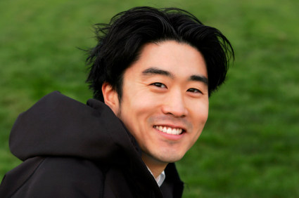 smile-—-young-Asian-man-2926282.jpg