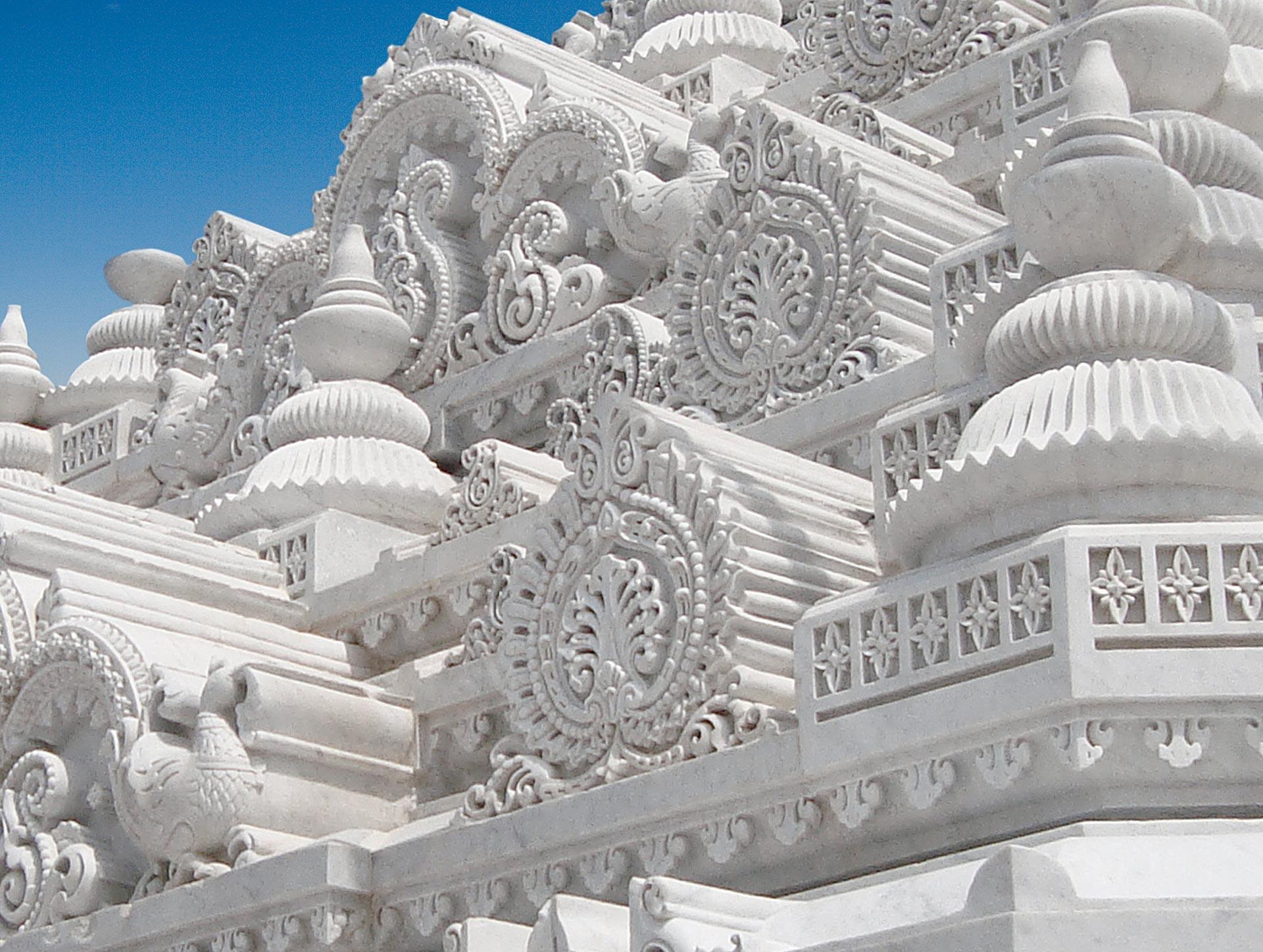Temple_Prem_Mandir_India_02.jpg