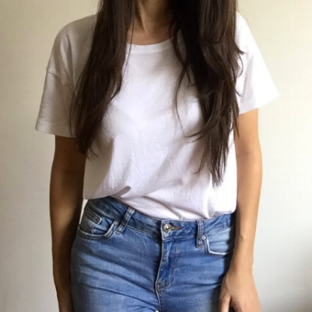 BACK TO BASICS. - Our outfit go-to of choice: classic white tee (or graphic tee) and a good pair of jeans. These ones from ZARA are our absolute favorite.