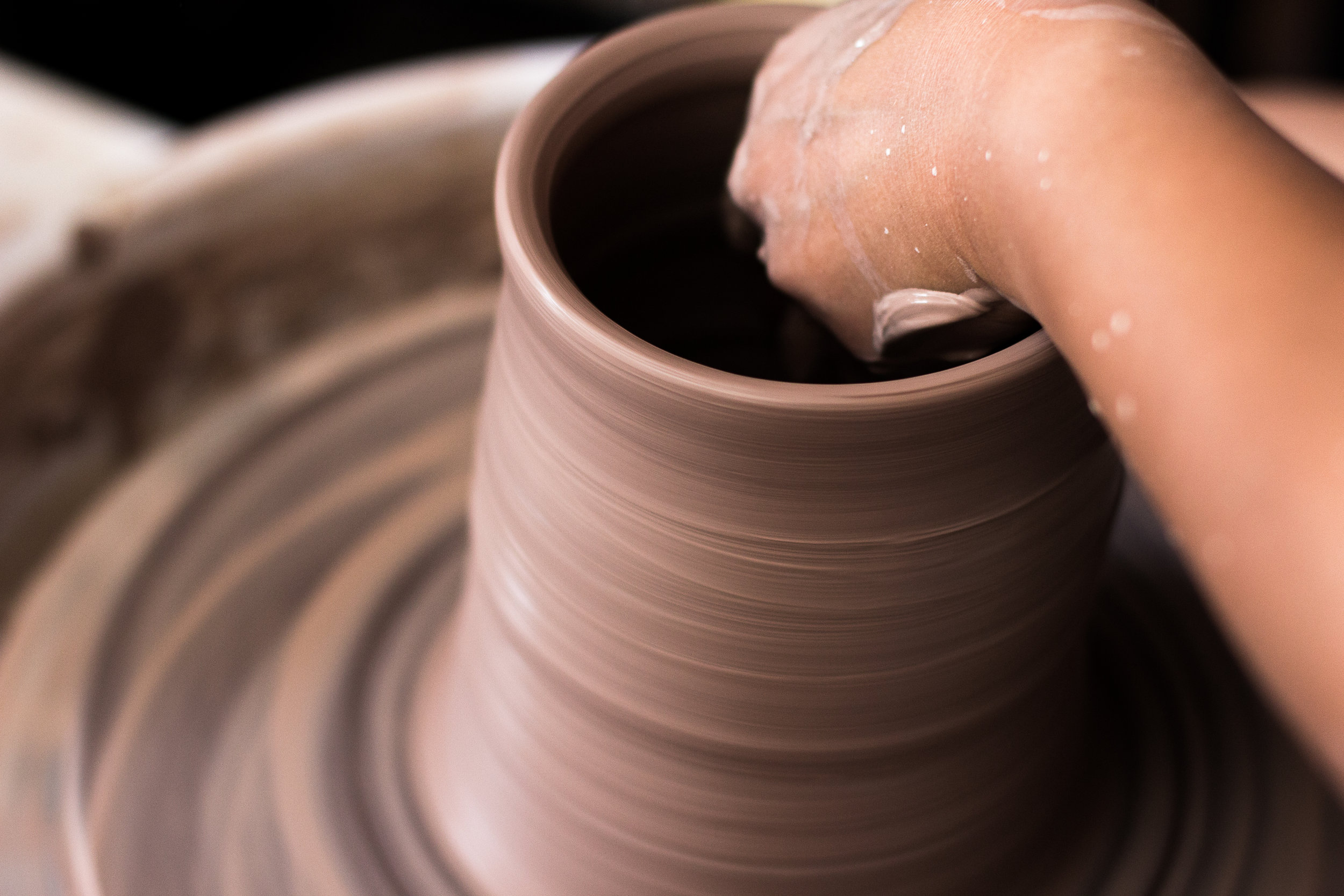 Throwing stoneware. Photograph by Jack Li.