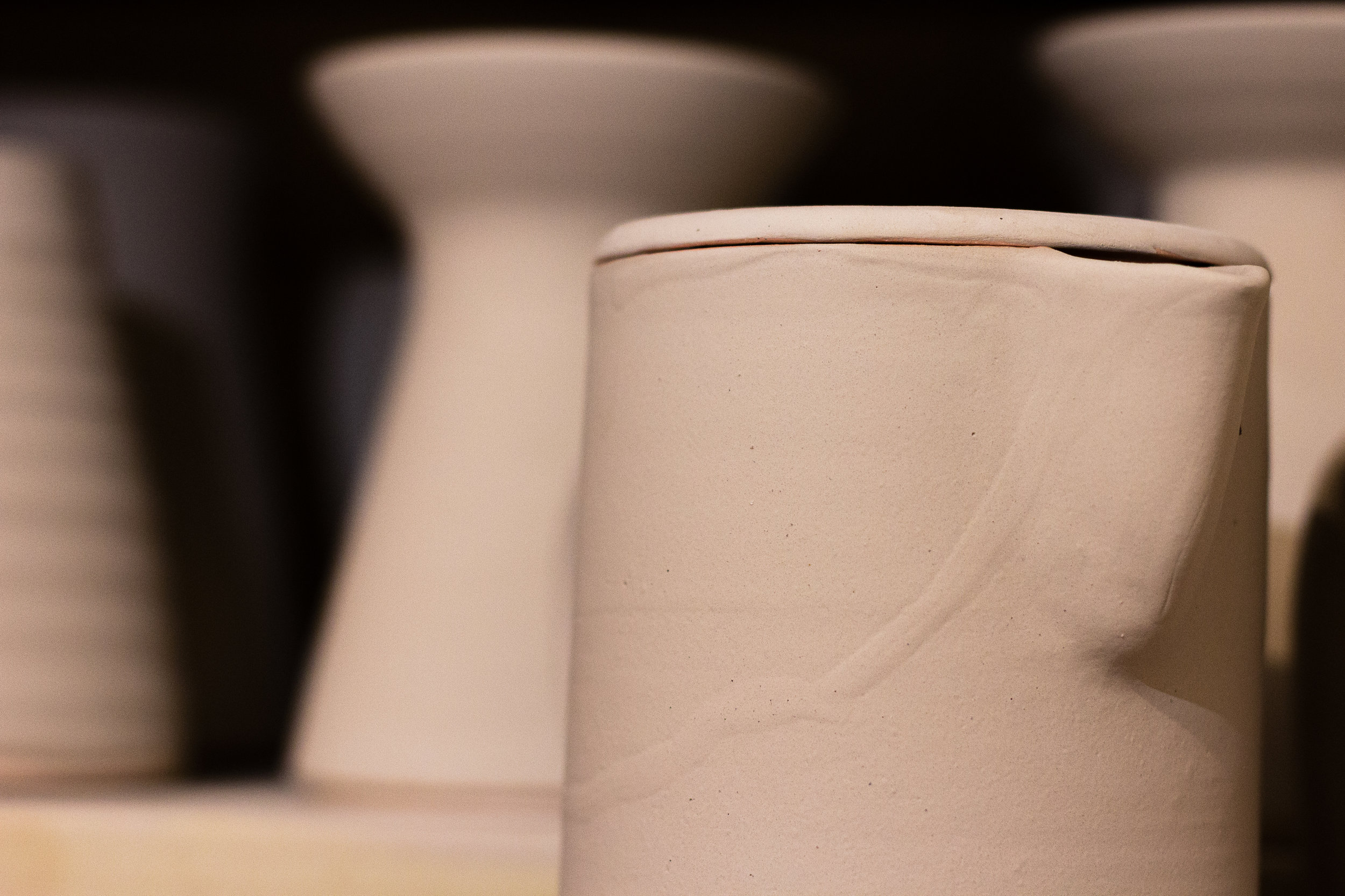 Glazed pots in the kiln before firing. Photograph by Jack Li.