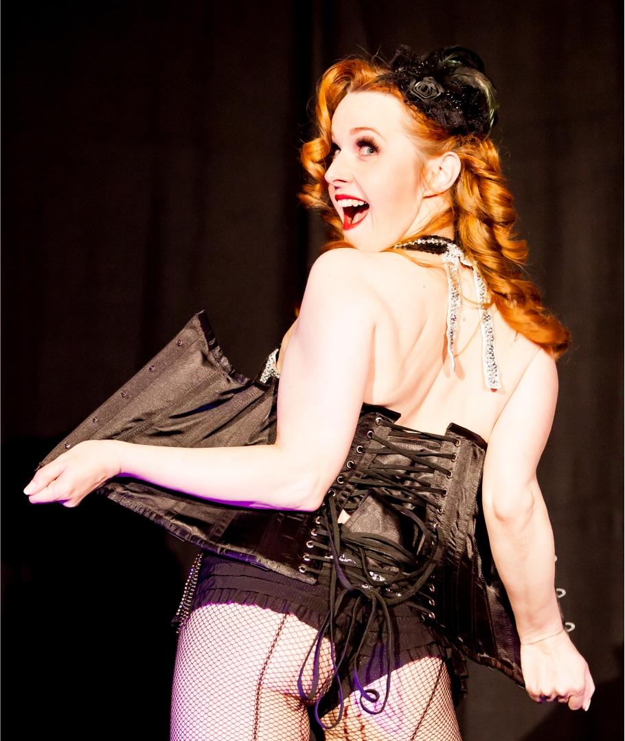 Mistress Mary - Burlesque und Ausdruckstanz