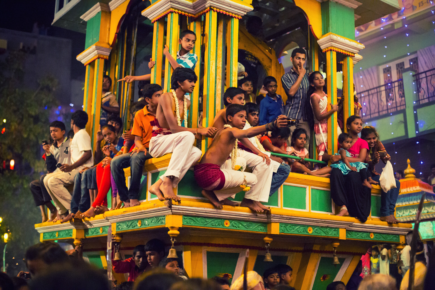 The Karaga creates a vibrant memory in an entirely new generation of spectators, eager to watch the Hasi Karaga. With a documented history of more than 400 years, the festival has an unbroken legacy of having been celebrated every single year and has enjoyed immense royal patronage throughout.