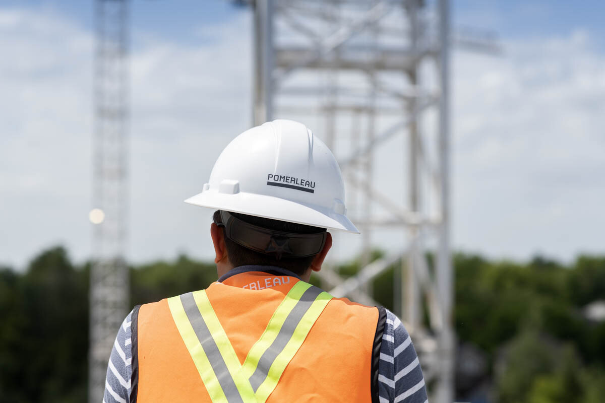 A construction supervisor over looks a work site. © Robert Lowdon