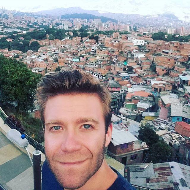 Back to Medellin, Comuna 13... #medellin #comuna13 #colombia #travel #blog #selfie #travelphotography #travelgram #instatravel #instamood #instadaily #travelblogger  Photo © by patrickacquadro.com