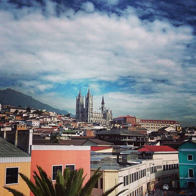 #quito #ecuador #view #travel #travelphotography #travelgram #instatravel #instamood #instagood #instadaily #blog #travelblogger  Photo © by patrickacquadro.com
