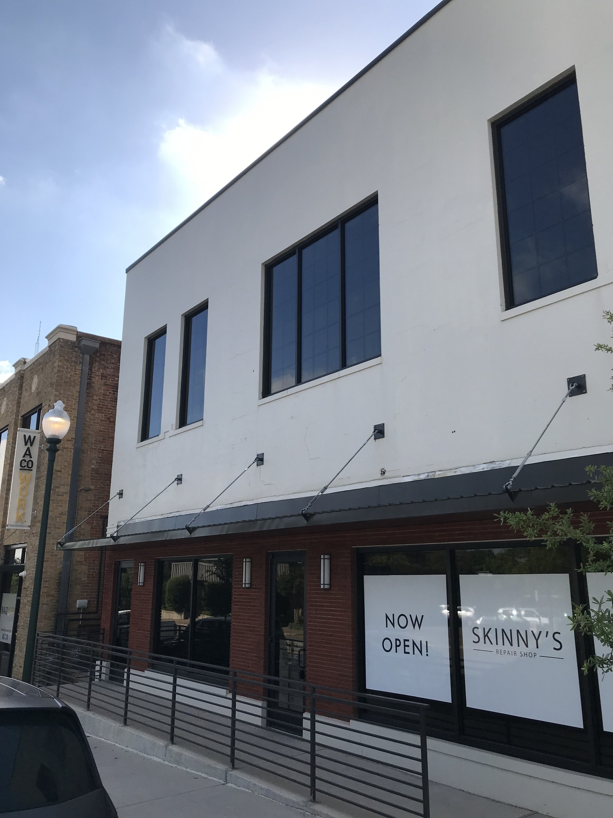 Skinny's Repair Shop at 618 Columbus will soon be joined on the ground floor by William Hoyt Bagel and Beer. The second floor remains open as office space.