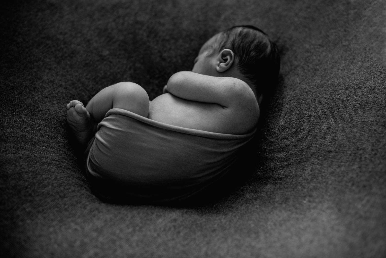 J + C + J session nouveau-né posé SÉANCE PHOTO bébé bebe    PHOTOGRAPHE bebe et grossesse PARIS    FREYIA photography   photographe   nouveau-né bébé maternité grossesse future maman femme enceinte naissance allaitement_-10.jpg