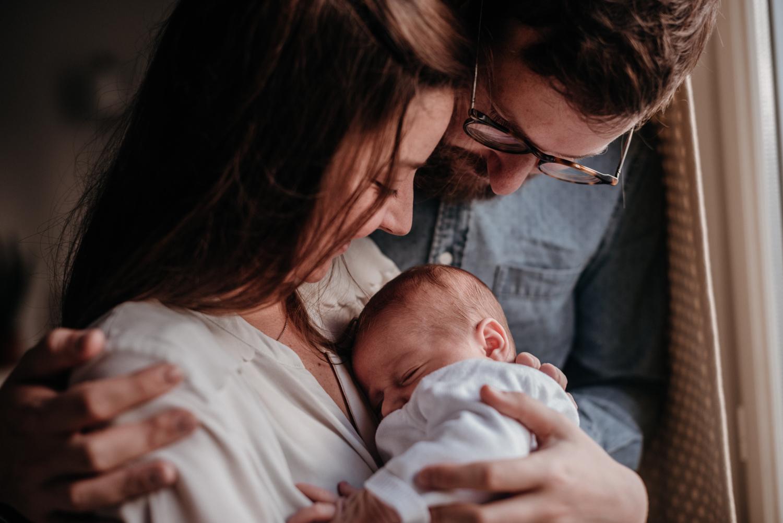 G + P + B session nouveau-né lifestyle SÉANCE PHOTO bébé bebe |  PHOTOGRAPHE bebe et grossesse PARIS  | FREYIA photography | photographe | nouveau-né bébé maternité grossesse future maman femme enceinte naissance allaitement_-8.jpg