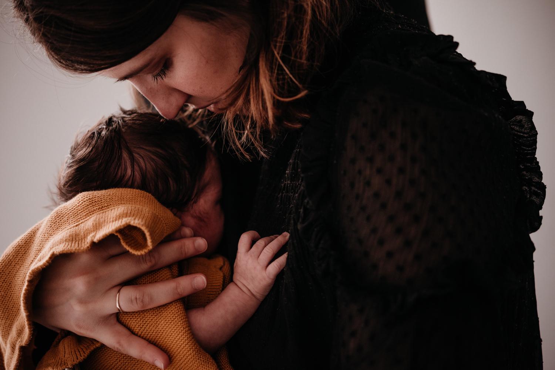 E + M + E session nouveau-né lifestyle SÉANCE PHOTO bébé bebe |  PHOTOGRAPHE bebe et grossesse PARIS  | FREYIA photography | photographe | nouveau-né bébé maternité grossesse future maman femme enceinte naissance allaitement_-21.jpg