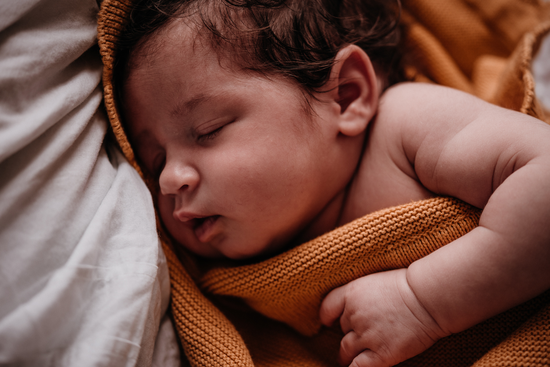E + M + E session nouveau-né lifestyle SÉANCE PHOTO bébé bebe |  PHOTOGRAPHE bebe et grossesse PARIS  | FREYIA photography | photographe | nouveau-né bébé maternité grossesse future maman femme enceinte naissance allaitement_-86.jpg