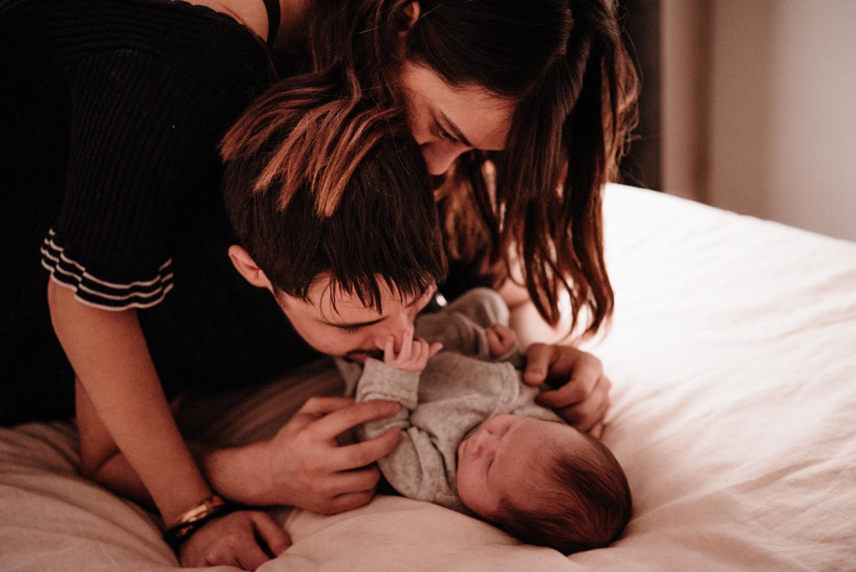 A + M + PY session nouveau-né lifestyle SÉANCE PHOTO bébé bebe |  PHOTOGRAPHE bebe et grossesse PARIS  | FREYIA photography | photographe | nouveau-né bébé maternité grossesse future maman femme enceinte naissance allaitement_-14.jpg