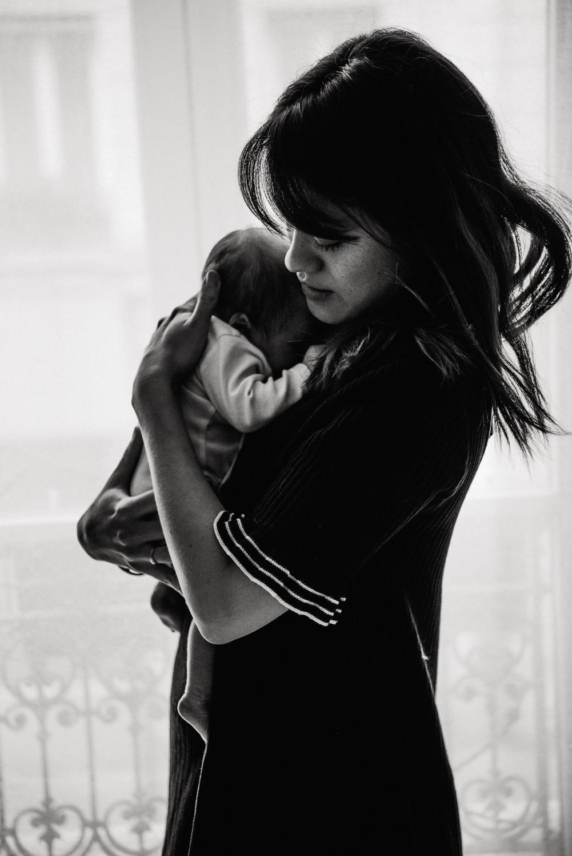 A + M + PY session nouveau-né lifestyle SÉANCE PHOTO bébé bebe |  PHOTOGRAPHE bebe et grossesse PARIS  | FREYIA photography | photographe | nouveau-né bébé maternité grossesse future maman femme enceinte naissance allaitement_-27.jpg