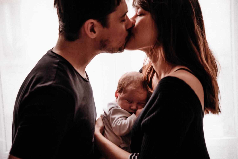 A + M + PY session nouveau-né lifestyle SÉANCE PHOTO bébé bebe |  PHOTOGRAPHE bebe et grossesse PARIS  | FREYIA photography | photographe | nouveau-né bébé maternité grossesse future maman femme enceinte naissance allaitement_-40.jpg
