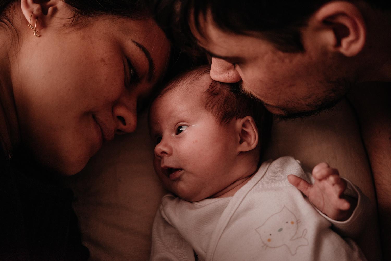 A + M + PY session nouveau-né lifestyle SÉANCE PHOTO bébé bebe |  PHOTOGRAPHE bebe et grossesse PARIS  | FREYIA photography | photographe | nouveau-né bébé maternité grossesse future maman femme enceinte naissance allaitement_-56.jpg