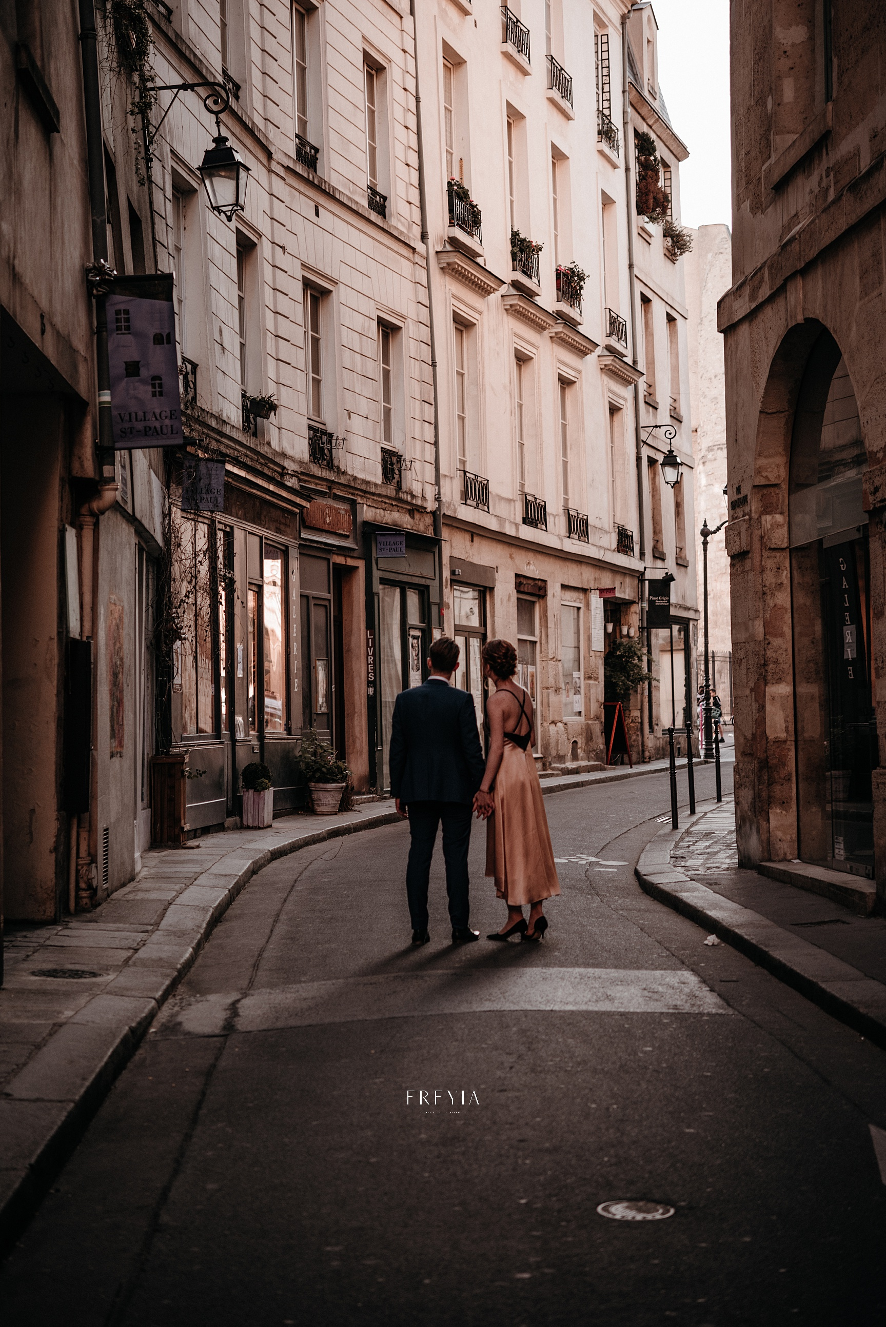 P + F |  mariage reportage alternatif moody intime vintage naturel boho boheme |  PHOTOGRAPHE mariage PARIS france destination  | FREYIA photography_-298.jpg
