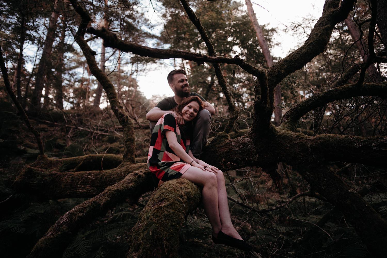 P + F |  séance couple engagement nature foret fontainebleau rochers mariage reportage alternatif moody intime vintage naturel boho boheme |  PHOTOGRAPHE mariage PARIS france destination  | FREYIA photography_-13.jpg