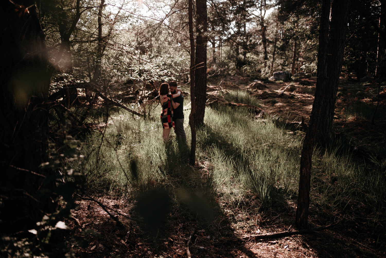P + F |  séance couple engagement nature foret fontainebleau rochers mariage reportage alternatif moody intime vintage naturel boho boheme |  PHOTOGRAPHE mariage PARIS france destination  | FREYIA photography_-17.jpg