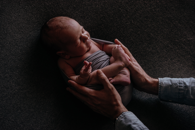 E + M + A + M session nouveau-né posé SÉANCE PHOTO bébé bebe    PHOTOGRAPHE bebe et grossesse PARIS    FREYIA photography   photographe   nouveau-né bébé maternité grossesse future maman femme enceinte naissance allaitement_-27.jpg