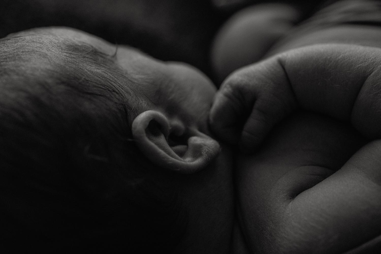 E + M + A + M session nouveau-né posé SÉANCE PHOTO bébé bebe    PHOTOGRAPHE bebe et grossesse PARIS    FREYIA photography   photographe   nouveau-né bébé maternité grossesse future maman femme enceinte naissance allaitement_-40.jpg