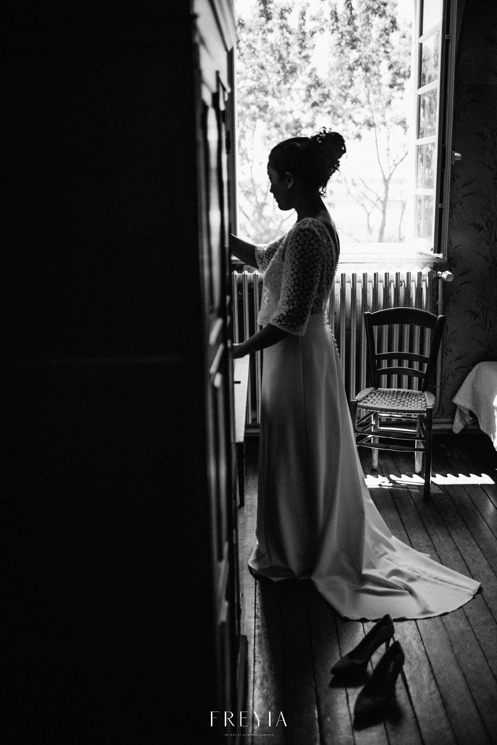R + T |  mariage reportage alternatif moody intime minimaliste vintage naturel boho boheme |  PHOTOGRAPHE mariage PARIS france destination  | FREYIA photography_-77.jpg