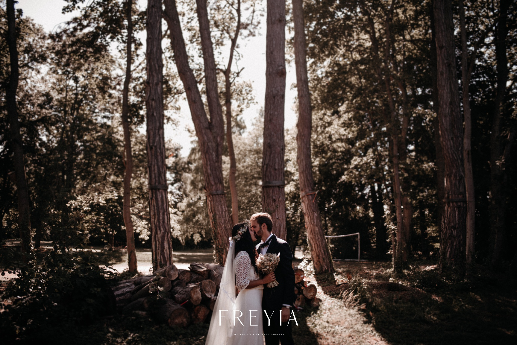 R + T |  mariage reportage alternatif moody intime minimaliste vintage naturel boho boheme |  PHOTOGRAPHE mariage PARIS france destination  | FREYIA photography_-218.jpg