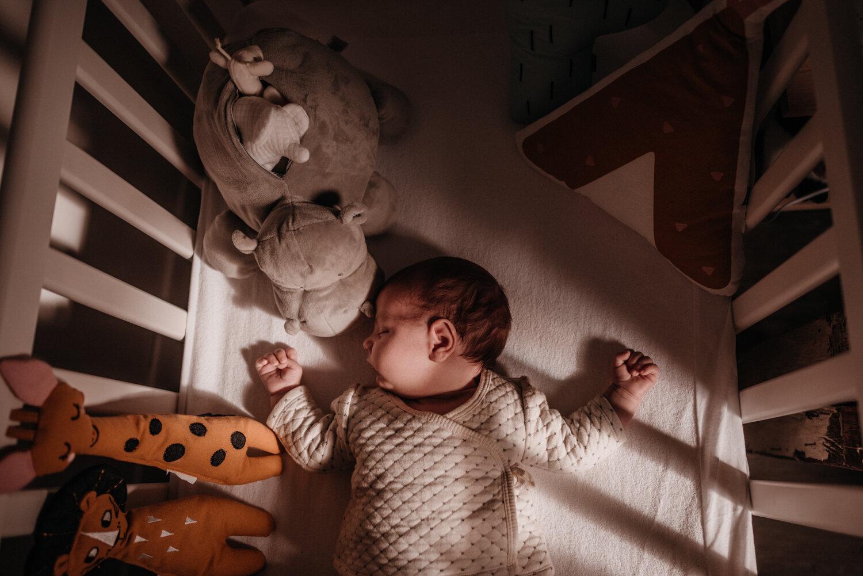 T + D + T session nouveau-né lifestyle SÉANCE PHOTO bébé bebe    PHOTOGRAPHE bebe et grossesse PARIS    FREYIA photography   photographe   nouveau-né bébé maternité grossesse future maman femme enceinte naissance allaitement_-49.jpg