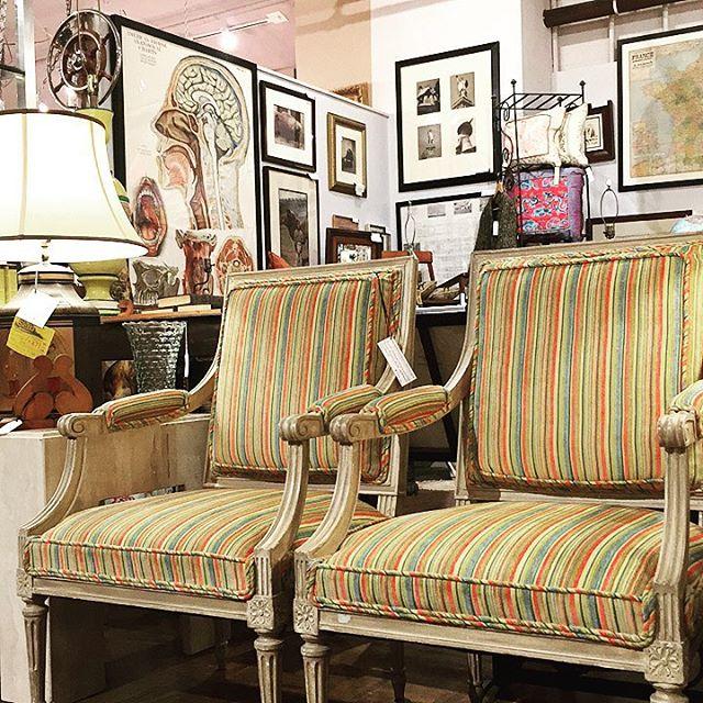 Taste the Rainbow!!!🌈 . . #victorian #interiors #interiordesign #interiordesigner #sb #sbstyle #santabarbarastyle #santabarbara #homedecor #homedesign #tastethelove #tastetherainbow #reupholstery #antiqueshop #antique #vintage #collective #livingroom #livingrooms