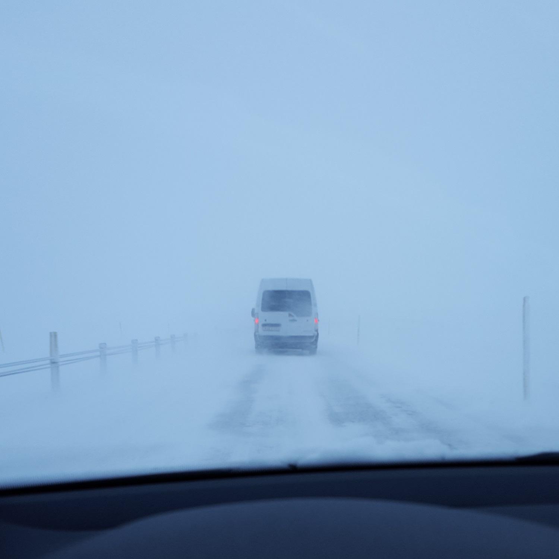 Abbildung      SEQ Abbildung \* ARABIC    1       Die Landeshauptstraße bei leichtem Schneefall. If you don't like the weather, just wait 5 minutes.