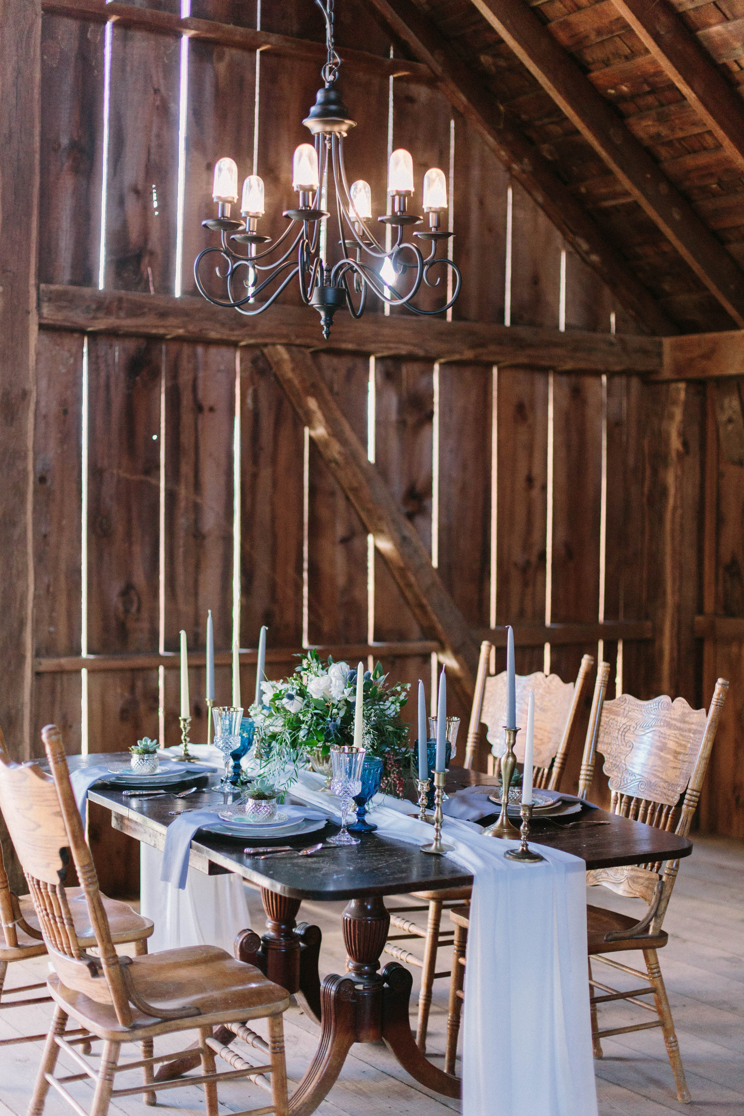 2017 Styled Shoot At The Pour Vineyard Veronica Young Photog-0002.jpg