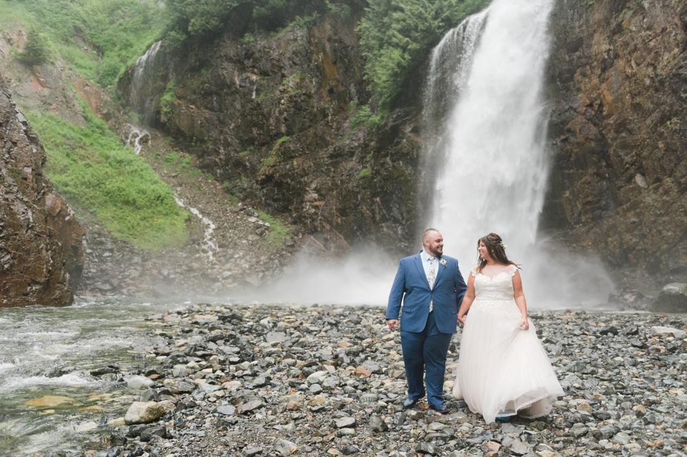 gold-creek-pond-snoqualamie-pass-wedding-photographer-1.jpg