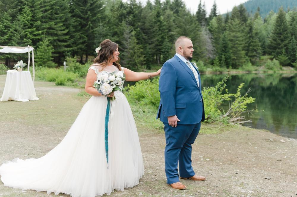 gold-creek-pond-snoqualamie-pass-wedding-photographer-16.jpg