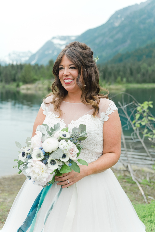 gold-creek-pond-snoqualamie-pass-wedding-photographer-19.jpg