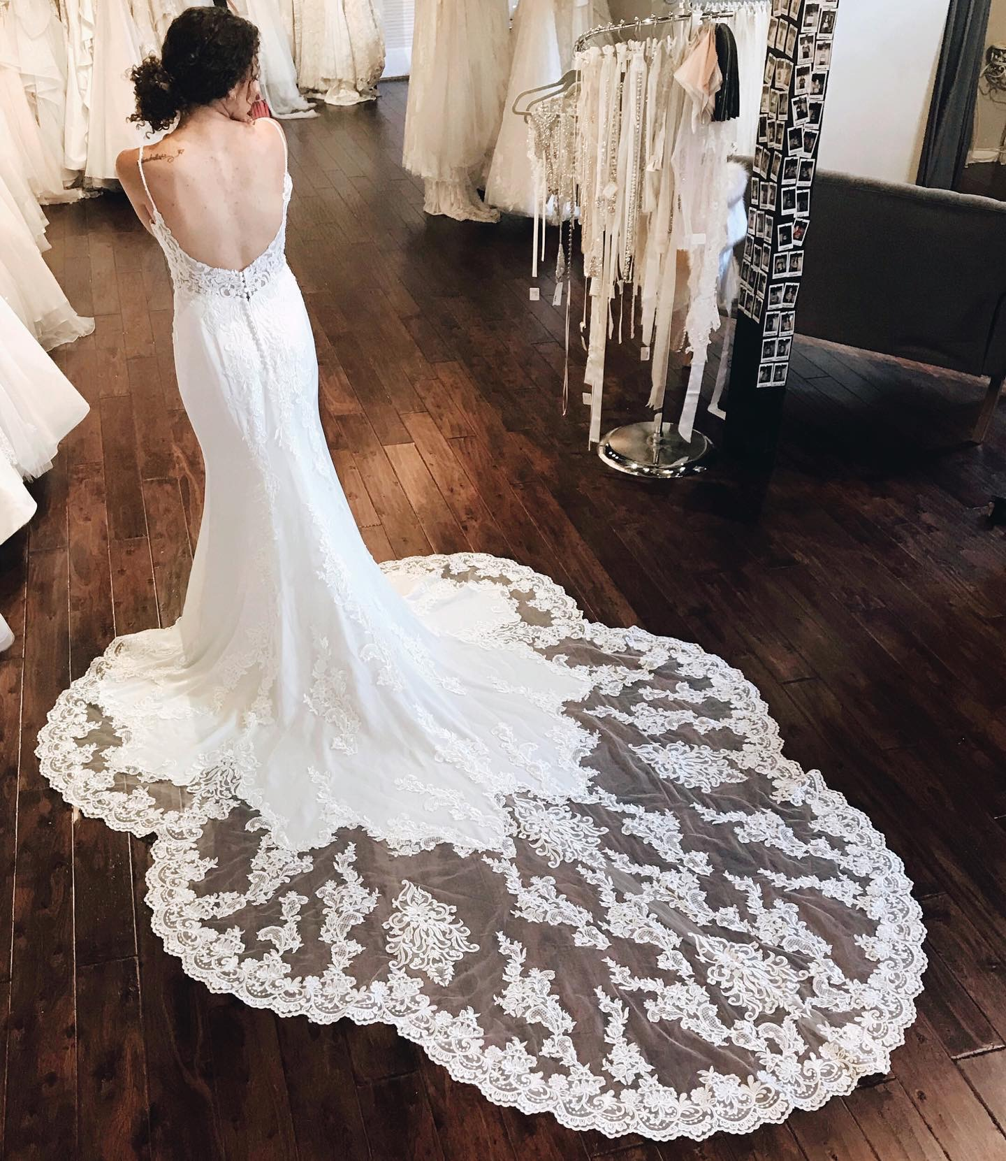 Find the perfect wedding dress!