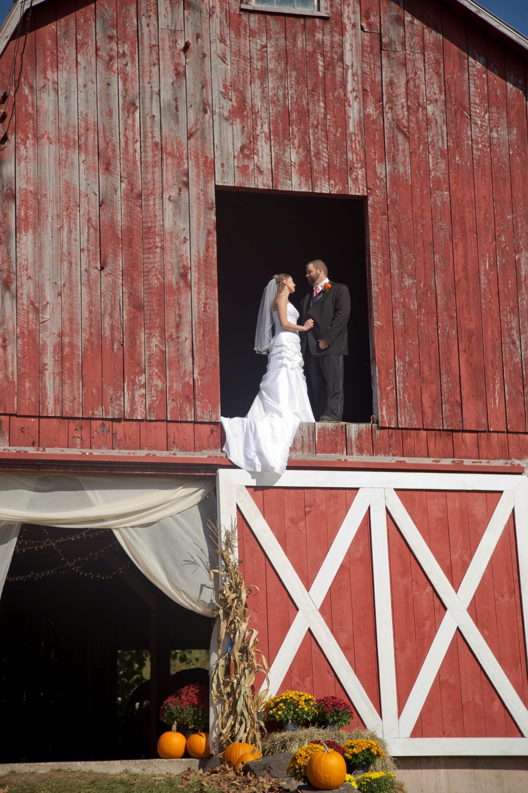 entry-14-samantha_crawford_all_occasion_photography_bride_groom_barn_formal.jpg
