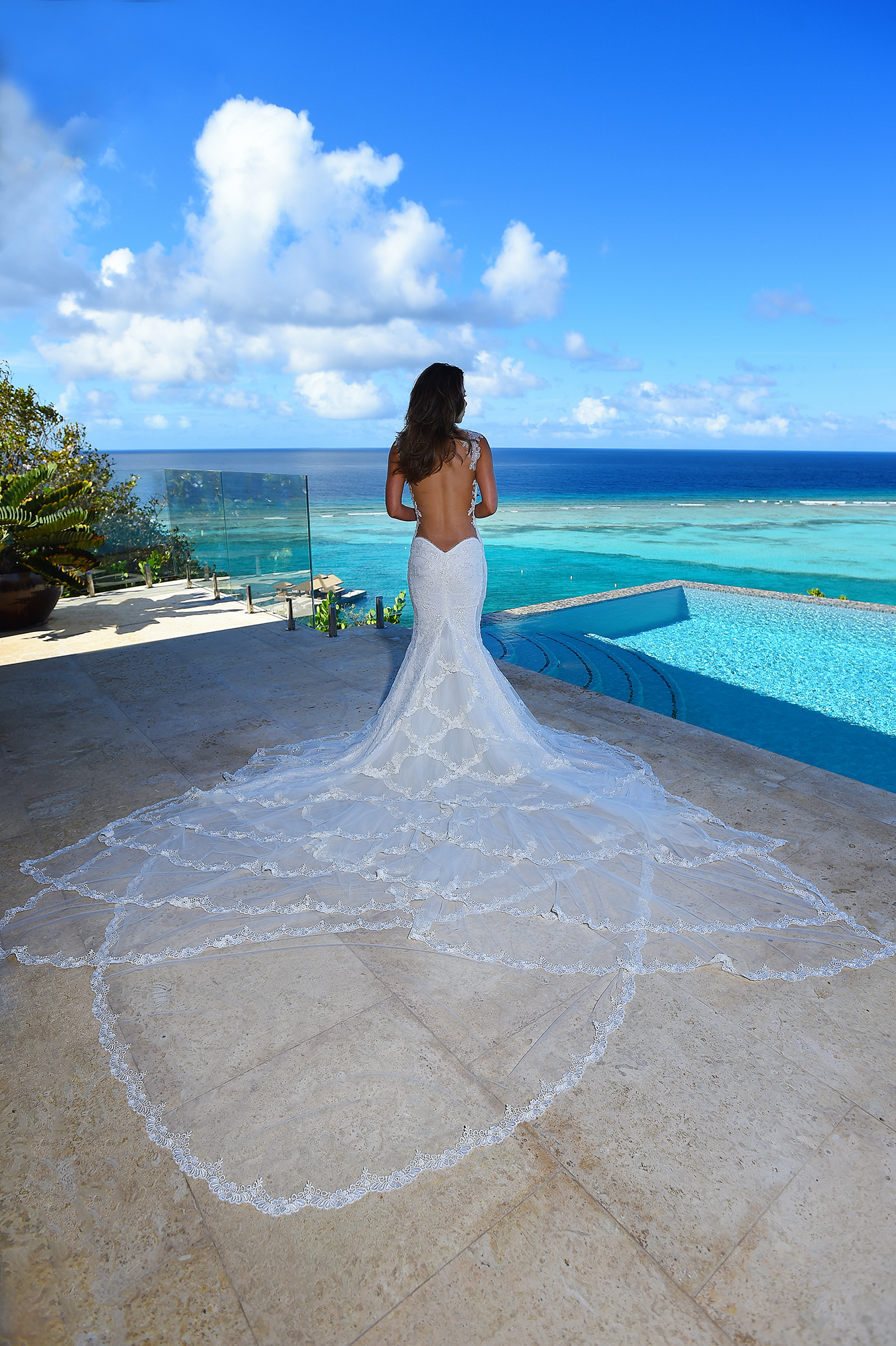 entry-29-alainbrin_blueglassphotography_dressedforparadise.jpg