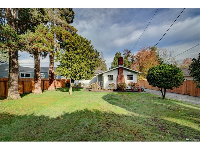 3750 SW 98th St, Seattle WA 98126  SOLD for &376,000  For more photos & information,   click here