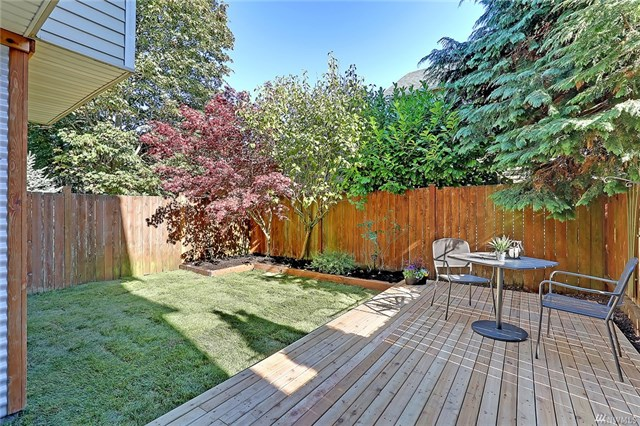 8518 Midvale Ave N Unit #B, Seattle, WA 98103  SOLD for $590,000  For more photos & information,   click here.
