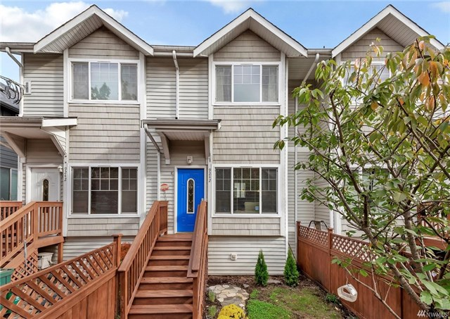 9242 Interlake Ave N Unit #C, Seattle, WA 98103  SOLD for $410,000  For more photos & information,   click here.