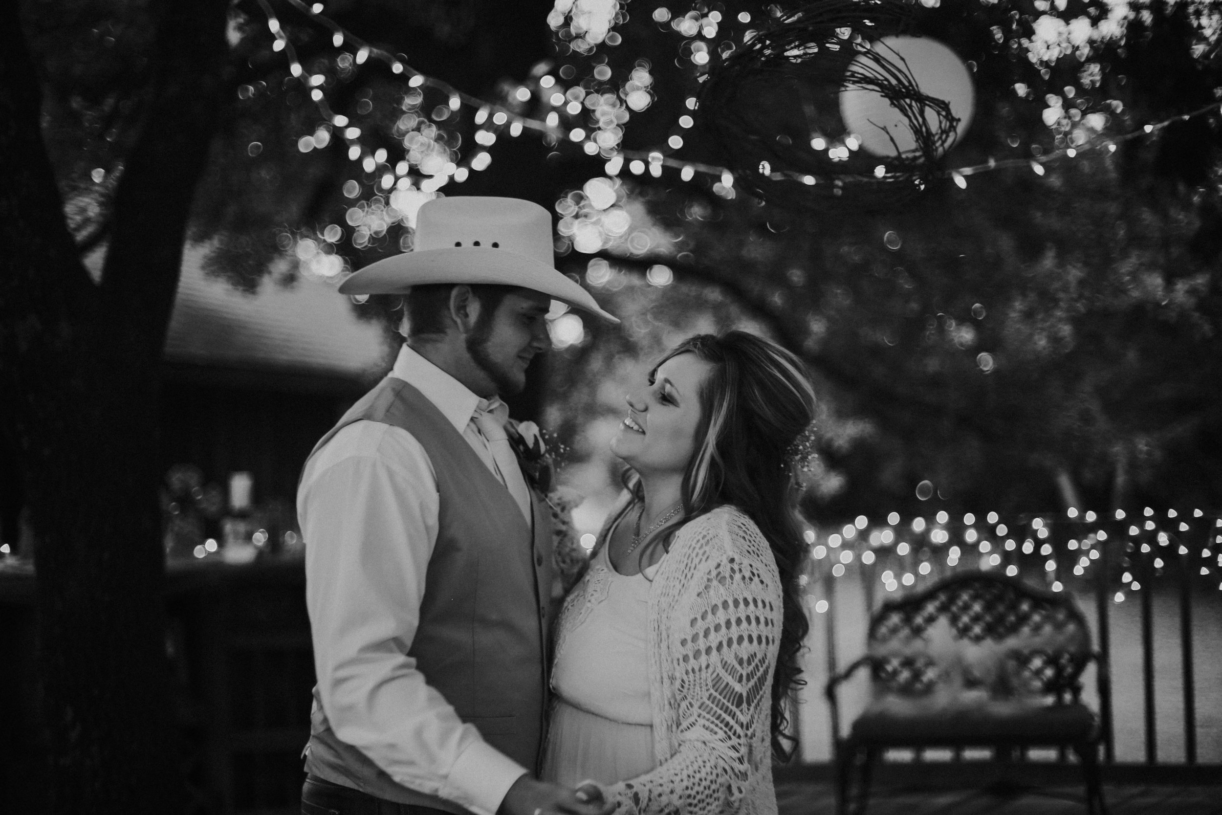 Oklahoma Engagment and Wedding Photographer-1128.jpg