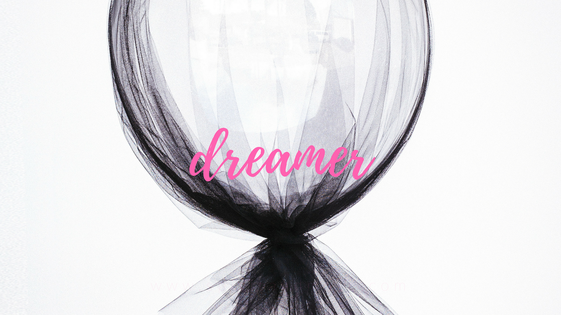 dreamer - girl boss - free desktop wallpaper