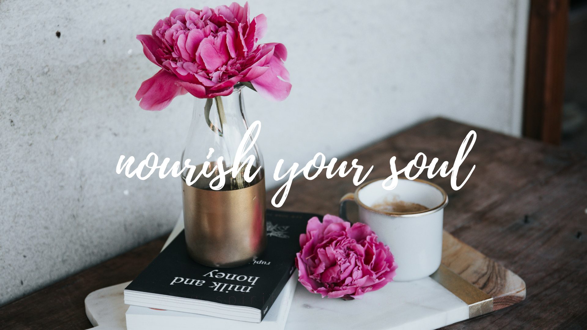 girl boss - nourish your soul - free desktop wallpaper
