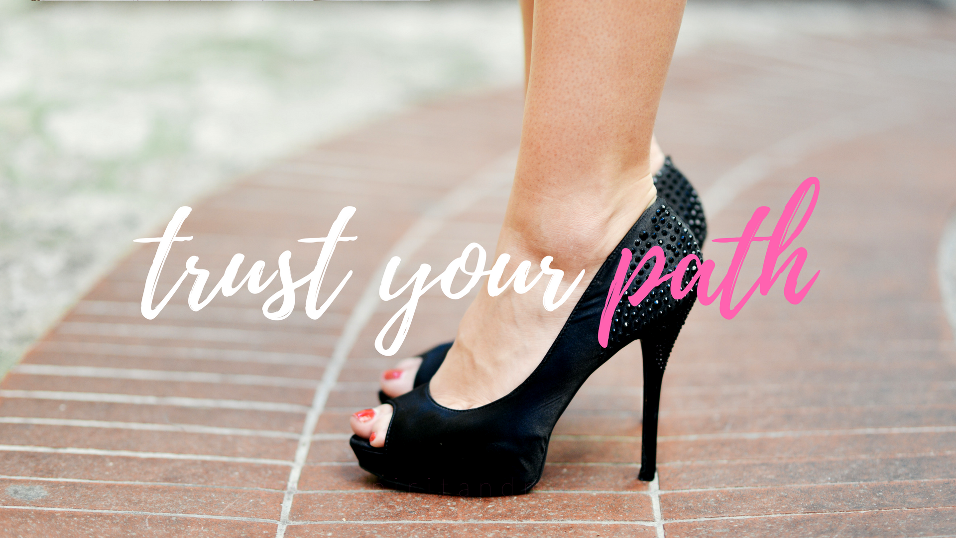 girl boss - trust your path - free desktop wallpaper