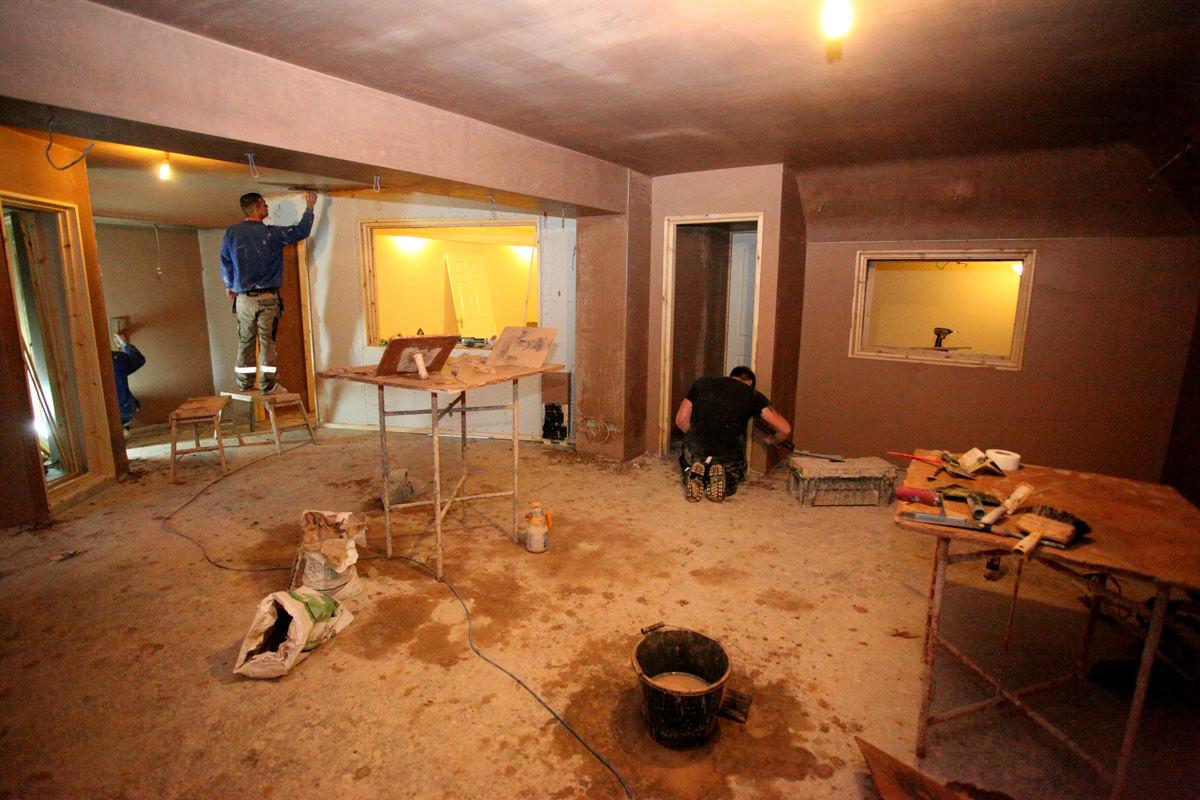 Matt Johnson builds a recording studio