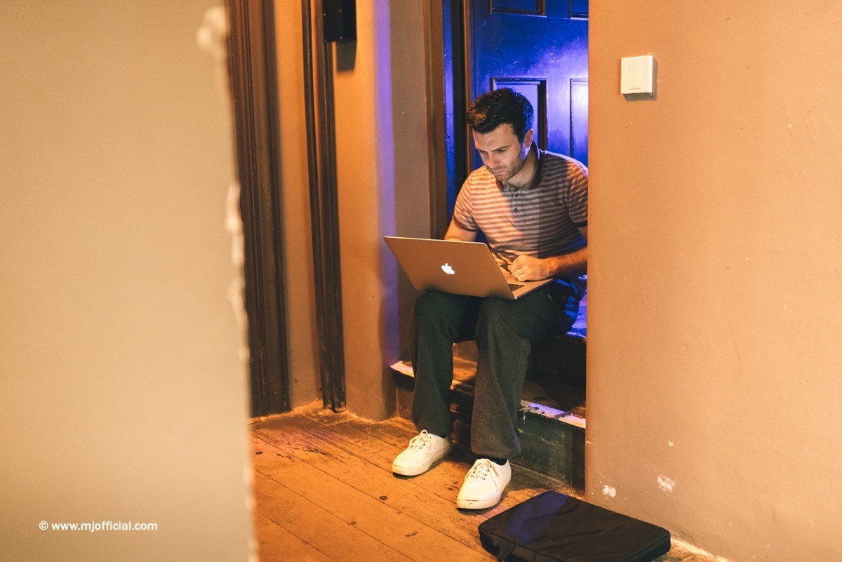 matt-johnson-still-in-love-with-you-behind-the-scenes-images004.jpg