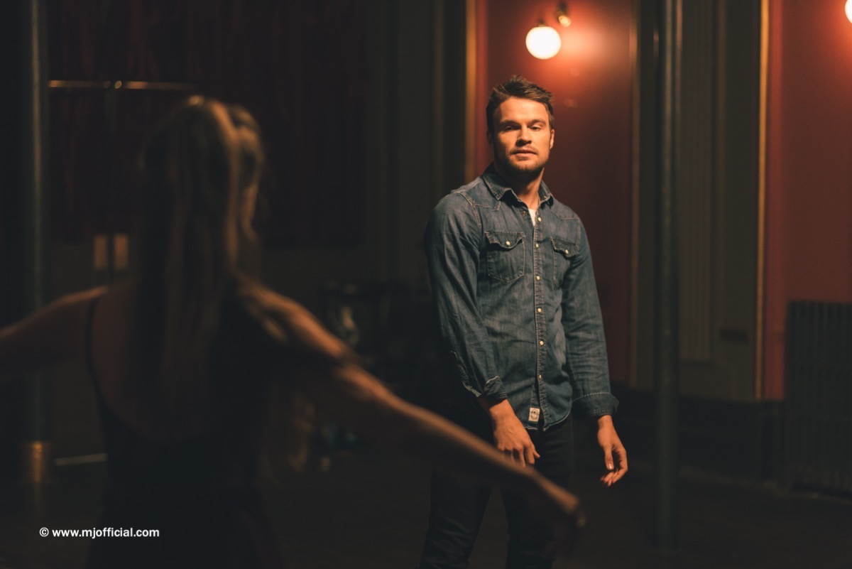 matt-johnson-still-in-love-with-you-behind-the-scenes-images018.jpg