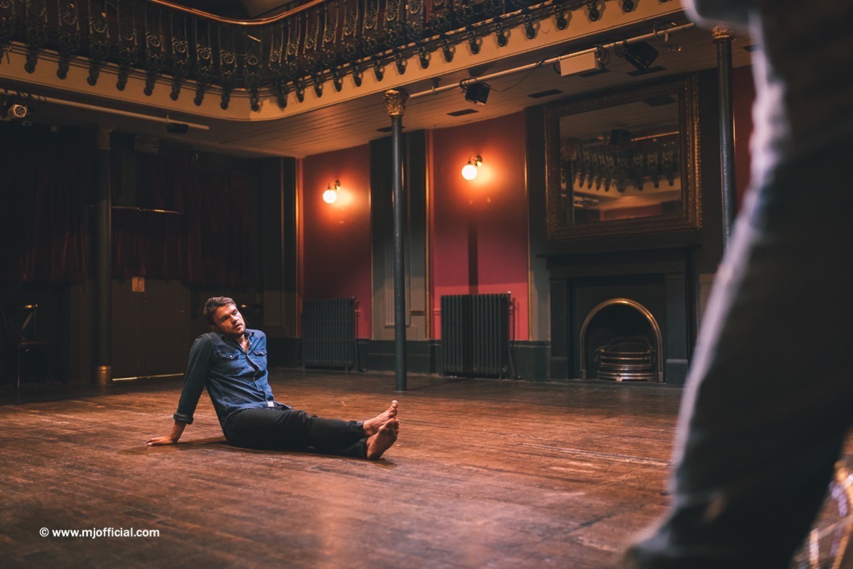 matt-johnson-still-in-love-with-you-behind-the-scenes-images098.jpg