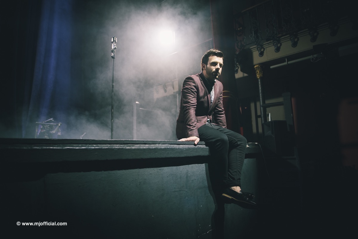 matt-johnson-still-in-love-with-you-behind-the-scenes-images118.jpg